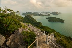 Ko-wua ta-Schoss in MU-ko angthong nationalem Marinepark lizenzfreie stockfotos