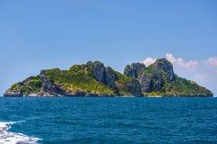海�:#k�.&_在海, ko yung海岛,发埃发埃,安达曼海, k晃动峭壁 库存照片