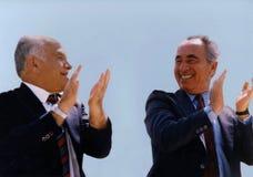Koalitionspartners Yitzhak Shamir och Shimon Peres Arkivbilder