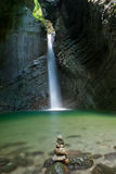 Kobarid, Kosjak Wasserfall Lizenzfreies Stockbild