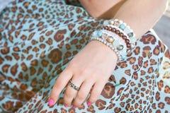 kobiece ręce się blisko zdjęcie stock