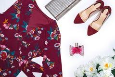 Kobiet akcesoria na wierzchołku, eleganckim, mod kobiet rzeczy zdjęcie stock