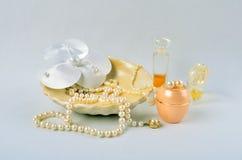 Kobiet biżuteria, pachnidła i kosmetyki, Zdjęcie Royalty Free