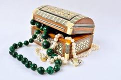 Kobiet biżuteria, pachnidła i kosmetyki, Fotografia Stock
