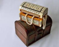 Kobiet biżuteria, pachnidła i kosmetyki, Obrazy Royalty Free