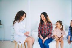 kobiet doktorscy medyczni potomstwa zdjęcie stock