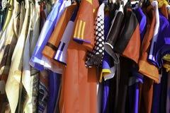 Kobiet koszula wiesza na pokazie w Wenecja, Włochy obrazy stock