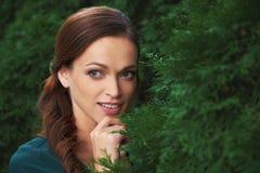 kobiet parkowi ładni potomstwa obrazy royalty free