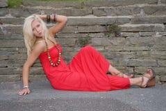 kobiet piękni smokingowi czerwoni potomstwa Obraz Royalty Free
