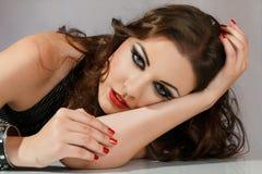 kobiet piękni target1550_0_ potomstwa Obrazy Royalty Free