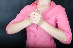 kobiet różowi koszulowi potomstwa Zdjęcia Royalty Free