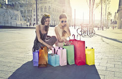 Kobiet Robić zakupy zdjęcie royalty free