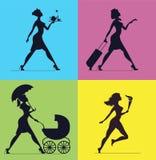 Kobiet sylwetki na barwionym tle kobiety sylwetek ilustracja wektor