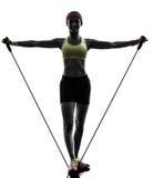 Kobieta ćwiczy sprawność fizyczna treningu oporu zespołów Zdjęcia Stock