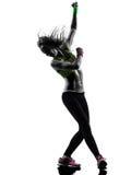 Kobieta ćwiczy sprawności fizycznej zumba dancingową sylwetkę Zdjęcie Stock