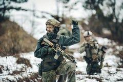 Kobieta żołnierza członek leśniczego oddział obrazy royalty free