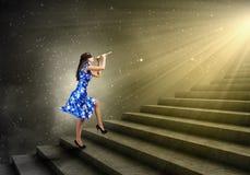 Kobieta bawić się piszczałkę Zdjęcia Royalty Free