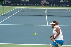 Kobieta bawić się tenisa. Zdjęcie Royalty Free