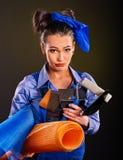 Kobieta budowniczy z budów narzędziami Zdjęcie Royalty Free
