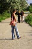 kobieta chodząca Fotografia Royalty Free
