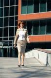kobieta chodząca jednostek gospodarczych Zdjęcie Stock