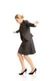 Kobieta chodzi ostrożnie Zdjęcie Royalty Free