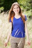 Kobieta cieszy się jej czas outdoors Zdjęcie Stock