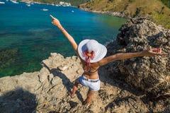 Kobieta cieszy się lato Fotografia Royalty Free