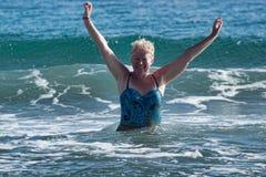 Kobieta dojrzały wiek w swimsuit obraz stock