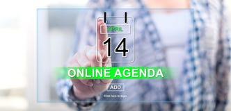 Kobieta dotyka online agendy pojęcie Fotografia Stock