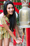 Kobieta dzwoni dzwon Obrazy Stock