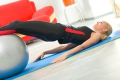 kobieta fizycznej balowa fitness Obraz Royalty Free