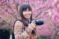 Kobieta fotograf Zdjęcia Royalty Free