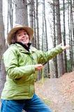 Kobieta gubjąca z kompasem Obraz Stock