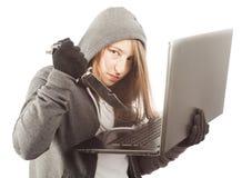 Kobieta hackera mienia nóż obraz royalty free