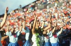 Kobieta hawajscy tancerze obraz royalty free