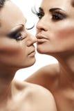 Kobieta iść całować jej dziewczyny Fotografia Royalty Free