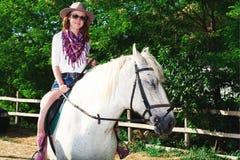Kobieta i koń Fotografia Royalty Free