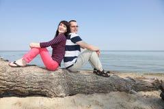 Kobieta i Mężczyzna TARGET499_0_ na Plaży Obrazy Royalty Free