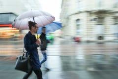 Kobieta i mężczyzna w deszczu Zdjęcie Royalty Free