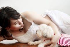 Kobieta i pies zdjęcia royalty free