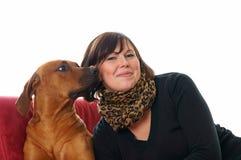 Kobieta i pies obrazy stock