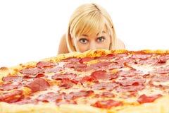 Kobieta i pizza Zdjęcia Stock