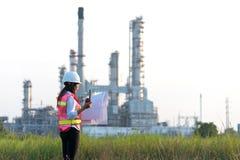 Kobieta inżynier przy elektrownią Zdjęcie Stock