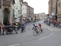 Kobieta jeźdzowie w wycieczki turysycznej de Yorkshire cyklu ścigają się w Jork Zdjęcia Royalty Free