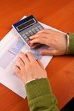 kobieta kalkulatorska jednostek gospodarczych Obraz Stock