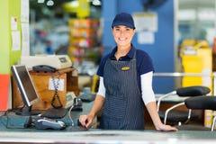 Kobieta kasjera supermarket zdjęcia stock