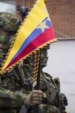 Kobieta Kolumbijski żołnierz paraduje na dniu niepodległości Zdjęcie Royalty Free