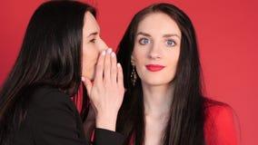Kobieta m?wi sekret jej przyjaciel zbiory wideo