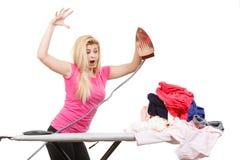 Kobieta ma dosyć prasowanie odziewa Zdjęcia Stock